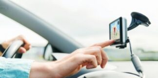 How GPS Tracking Devices Work for Personal Vehicles